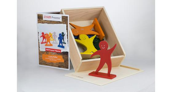 SIZE PROZESS® Figure Set, 6-Pcs. in wooden box